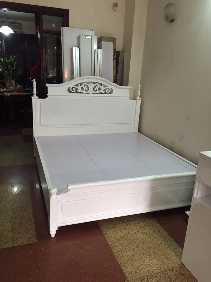 Giường tân cổ điển bọc đệm GST004